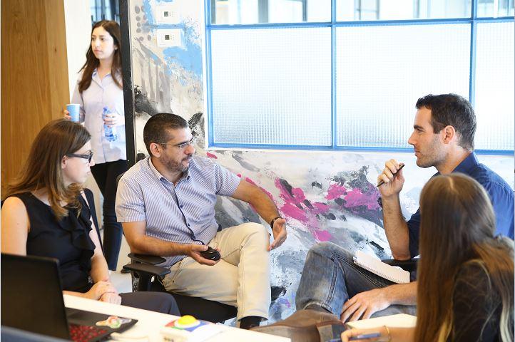 تعزيز روح المبادرة والابتكار - مسرع A3i ومرافقة مهنية لأصحاب المشاريع والشركات المبتدئة
